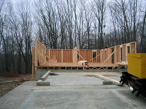 how to build a walkout basement foundation